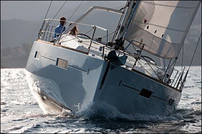 Discover Vieux Port surroundings on this Oceanis 41 Beneteau boat