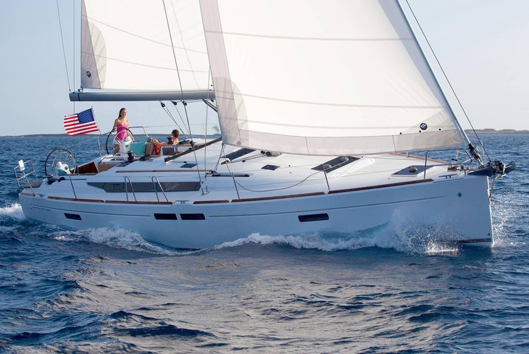 NEW!  3 Cabin Luxury Monohull Sailboat Sleeps up to 6!