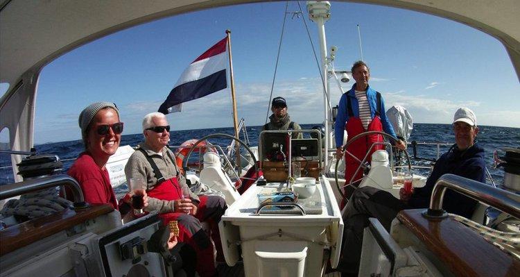 Boat rental in 3051,