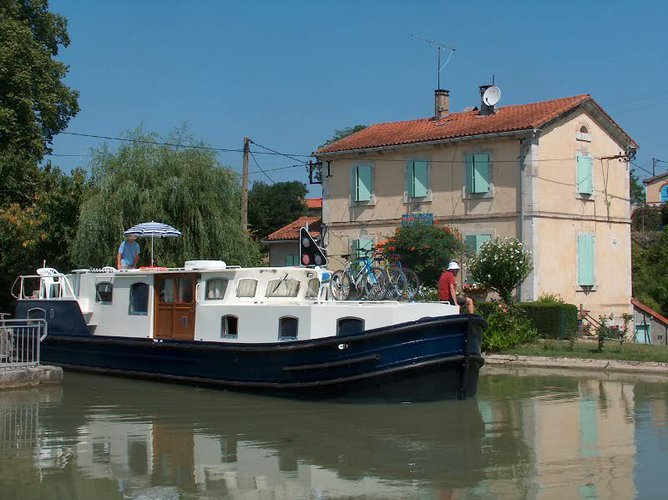 Experience Capestang on board this elegant motor boat
