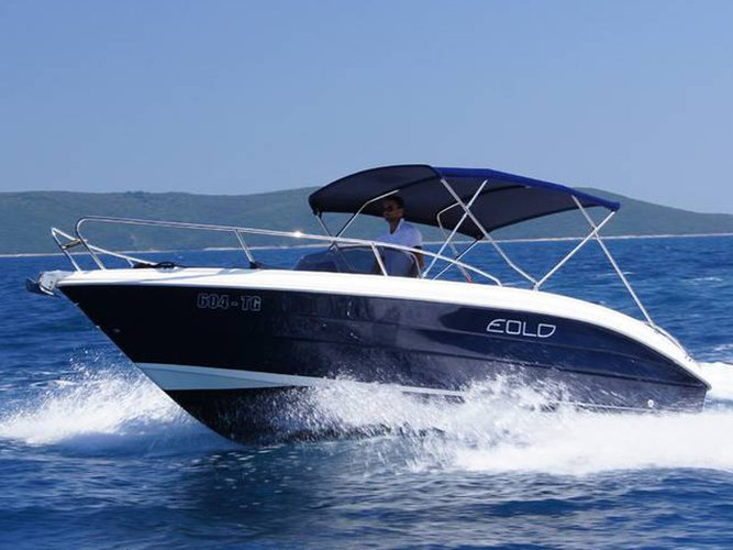 Hop aboard this amazing motor boat rental in Trogir!