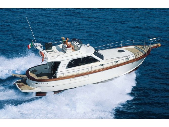 Hop aboard this amazing motor boat rental in Cagliari!