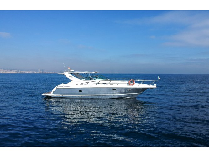 Charter this amazing motor boat in Barcelona
