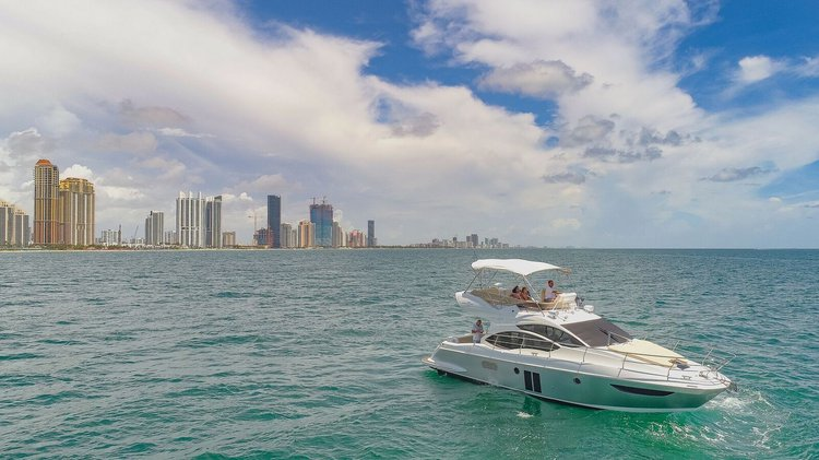 Boating is fun with a Azimut in Hollywood