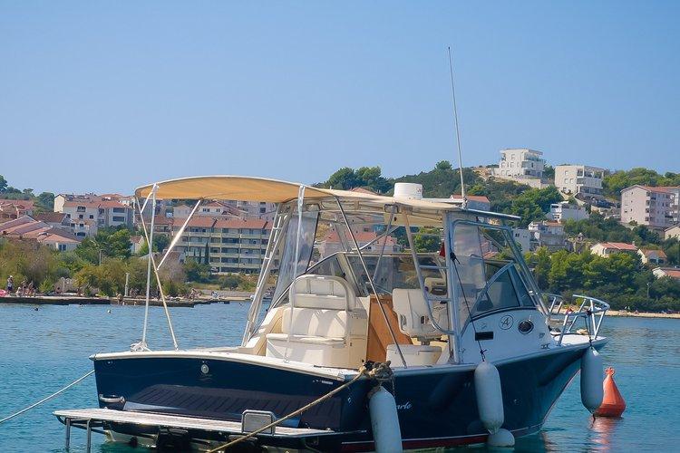 Cruiser boat for rent in Okrug Gornji