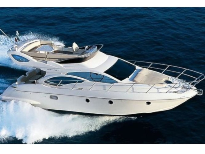 Beautiful Azimut Yachts Azimut 43 Fly ideal for cruising and fun in the sun!
