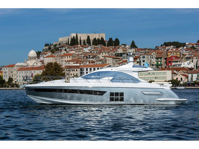 The perfect boat to enjoy everything Šibenik, HR has to offer