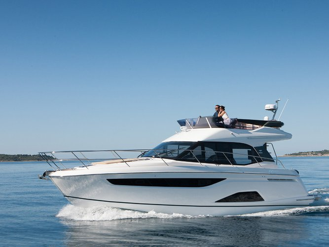 Get on the water and enjoy Seget Donji in style on our Bavaria Yachtbau Bavaria R40 FLY