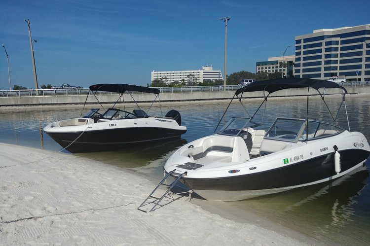 Bow rider boat rental in Holiday, FL
