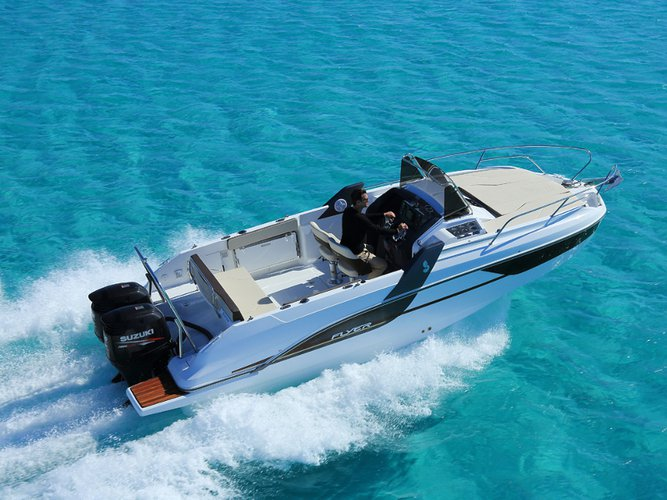 All you need to do is relax and have fun aboard the Beneteau Beneteau Flyer 7.7 SUNdeck