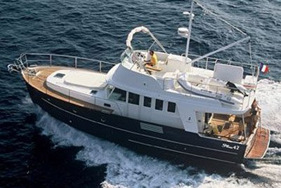 Jump aboard this beautiful Beneteau Swift Trawler 35