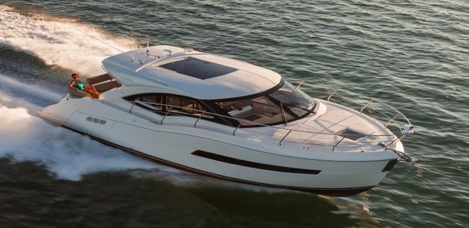 Set your dreams in motion in New York aboard Coupe 37' Cruiser