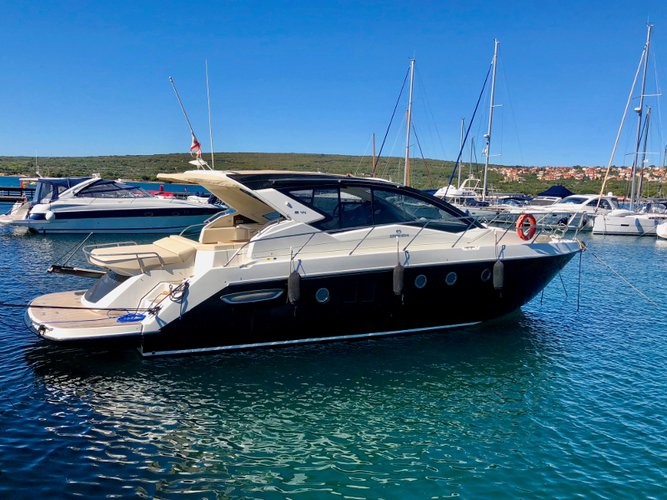 Sailing is a pleasure on a superb motor boat for rent