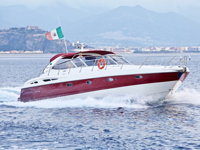 Unique experience on this beautiful Cranchi Yachts Cranchi Mediterranee 50 HT
