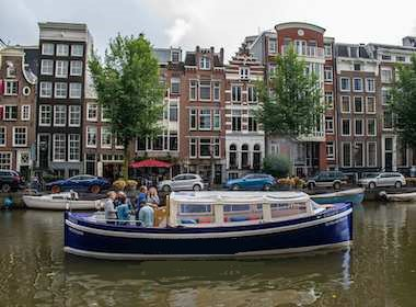 Discover Leidsekruisstraat surroundings on this Custom Custom boat