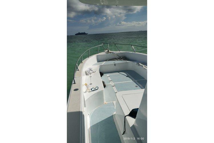 Custom's 111.0 feet in Baie Ste Anne