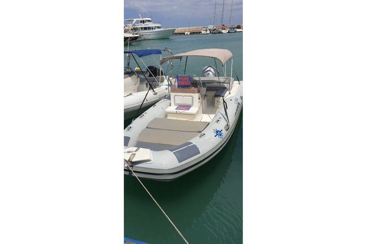 Rigid inflatable boat for rent in Poli Crysochous