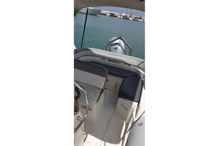 Boat rental in Poli Crysochous,