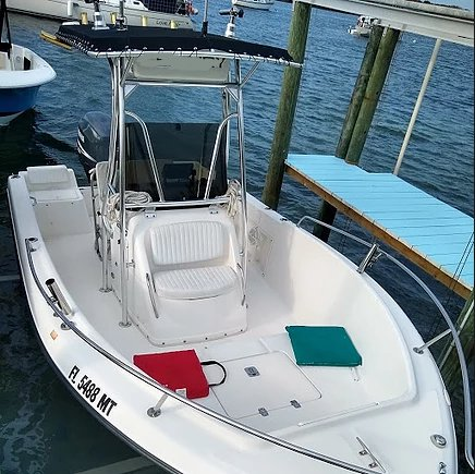 Center console boat for rent in Green Turtle Cay