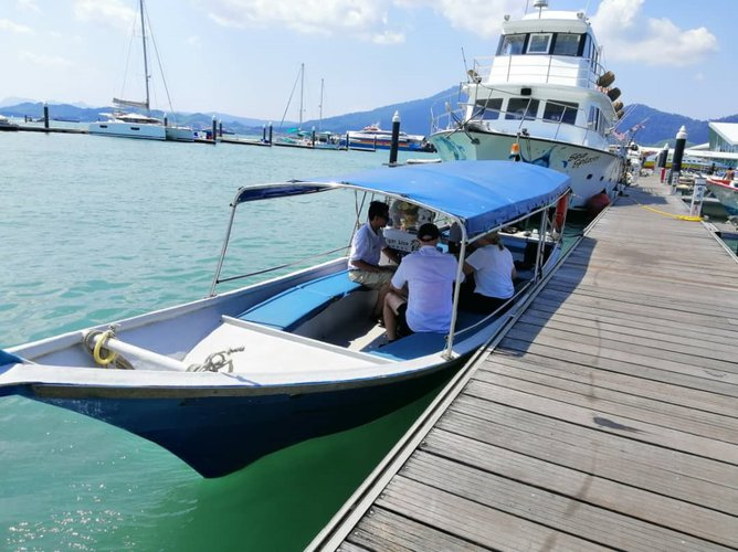 Discover Langkawi surroundings on this Custom Custom boat