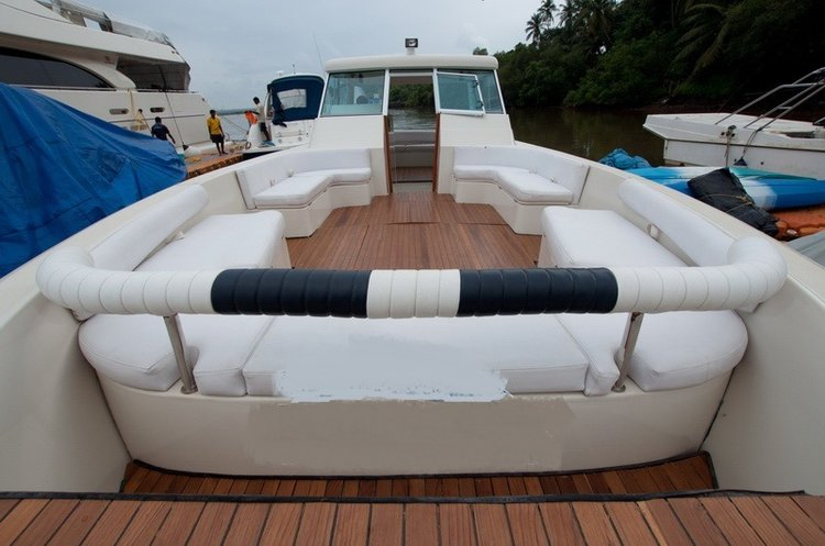 Cuddy cabin boat for rent in Penha De França