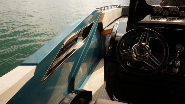 Bow rider boat rental in Corfu, Greece