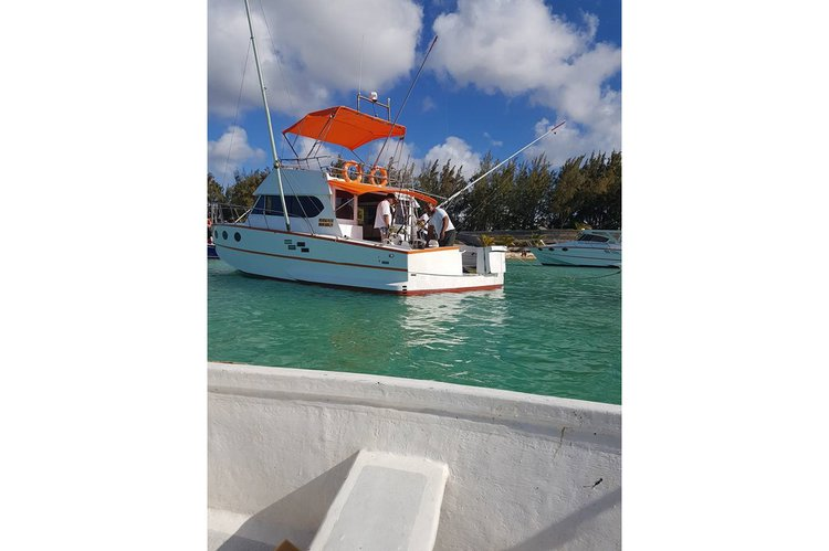Cuddy cabin boat for rent in Pereybere