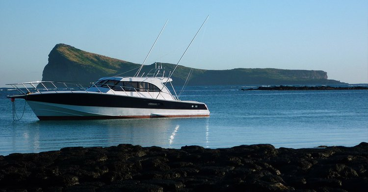 Motor yacht boat for rent in Cap Malheureux