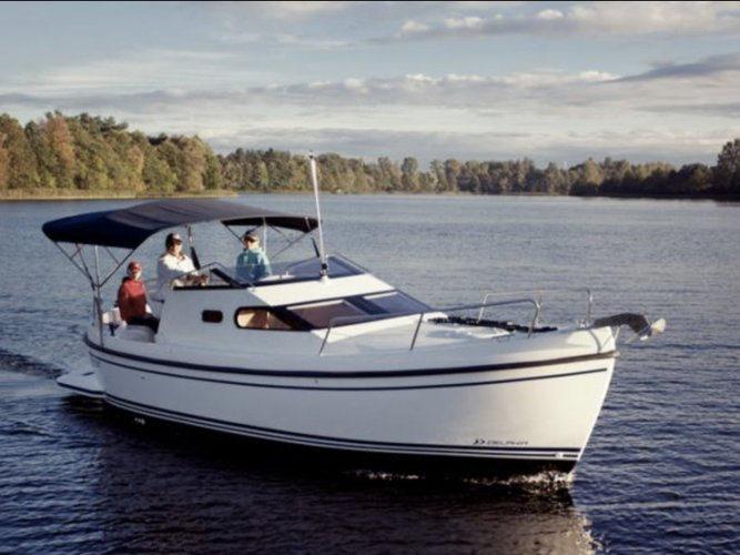 Charter this amazing motor boat in Sjötorp