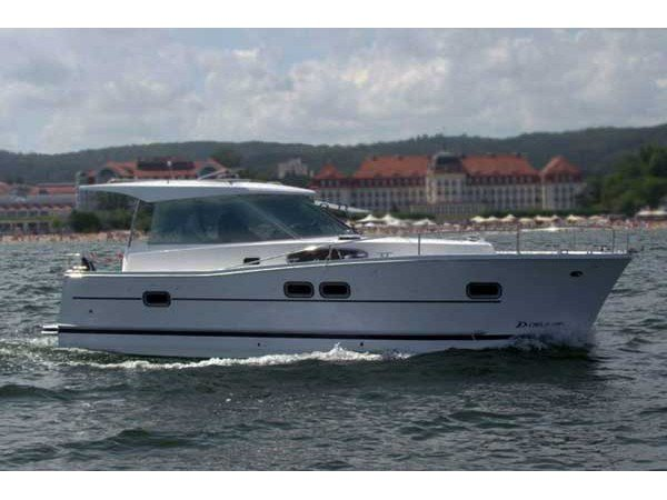 Enjoy luxury and comfort on this Delphia Yachts Delphia 1050 Escape in Primošten