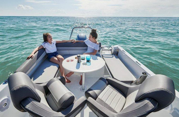 Jeanneau boat for rent in kotor