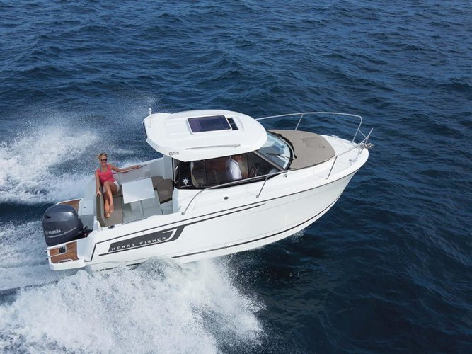 Enjoy Sukošan, HR to the fullest on our comfortable Jeanneau Merry Fisher 695 + Suzuki 150