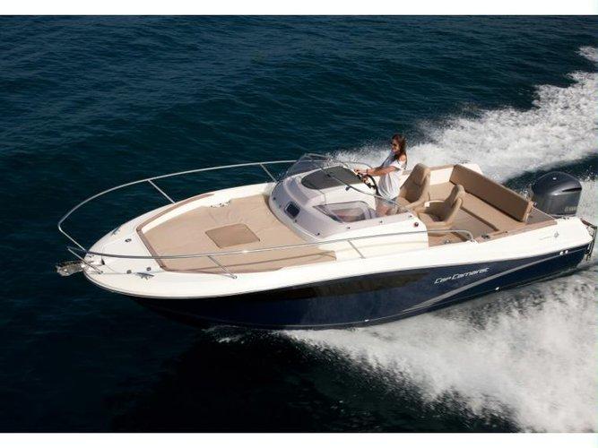 Beautiful Jeanneau JEANNEAU CC 7.5 WA  ideal for cruising and fun in the sun!