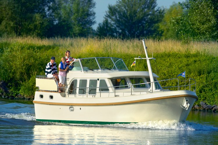Climb aboard this Linssen Linssen 33.9AC for an unforgettable experience