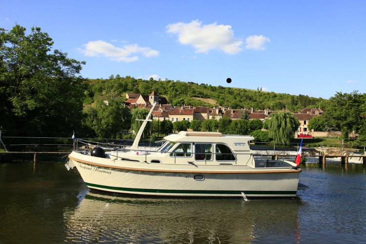 Enjoy luxury and comfort on this Capestang motor boat charter