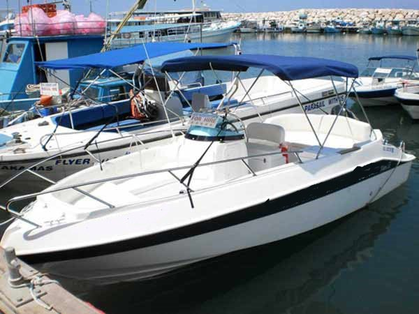 Charter this surprising motor boat in Latchi