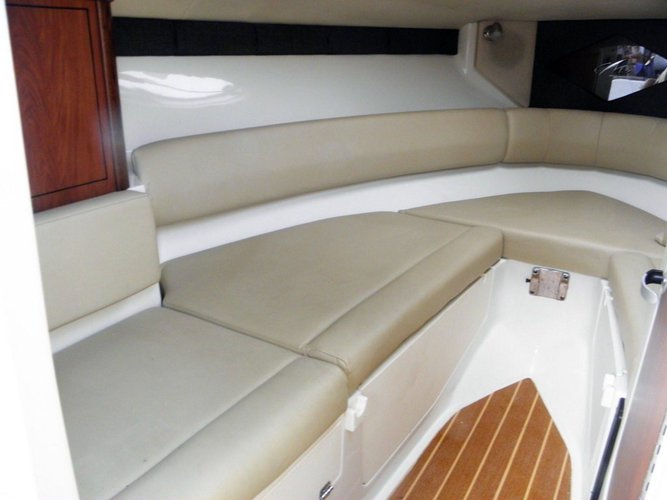 Up to 8 persons can enjoy a ride on this Cuddy cabin boat