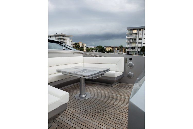 Discover Miami surroundings on this 90 Pershing Pershing boat