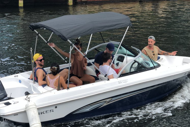 Rinker's 19.0 feet in Fort Lauderdale