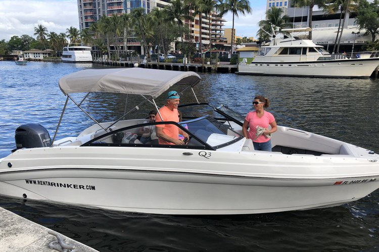 Bow rider boat rental in 10 South New River Dr East Ft Lauderdale 33301, FL