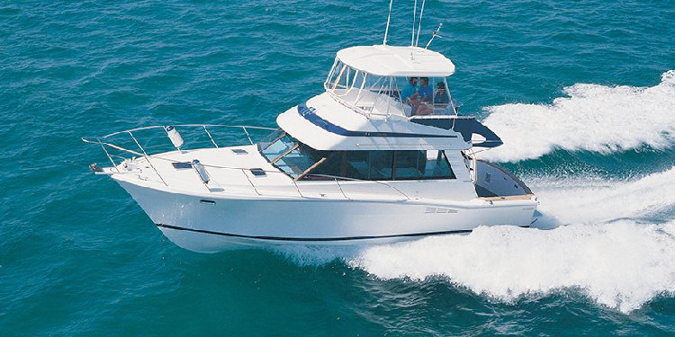 Hop aboard Riviera 38' to have fun in New York