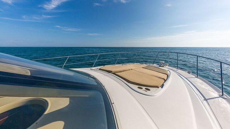 SEA RAY's 52.0 feet in Miami