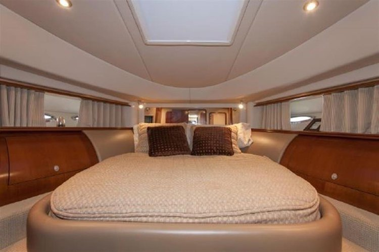 Discover Miami surroundings on this 58 Sea Ray boat