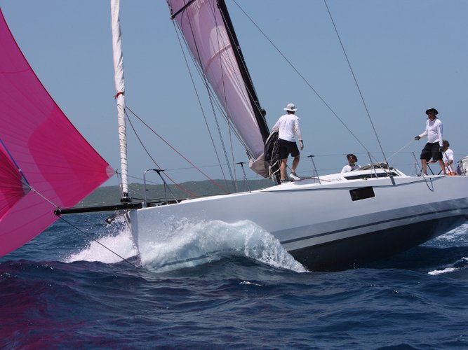 Beautiful  Pogo 12.5 ideal for sailing and fun in the sun!