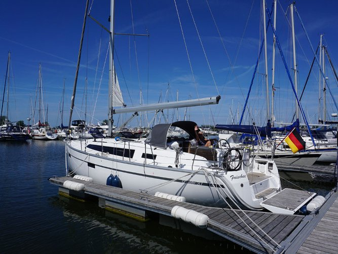 Enjoy Kröslin, DE to the fullest on our comfortable Bavaria Yachtbau Bavaria Cruiser 37