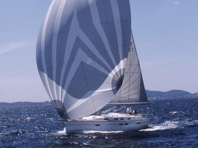This sailboat charter is perfect to enjoy San Benedetto del Tronto