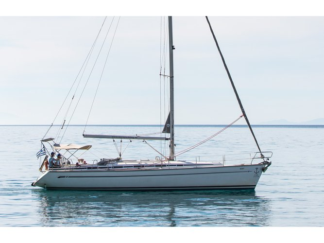 Jump aboard this beautiful Bavaria Yachtbau Bavaria 44