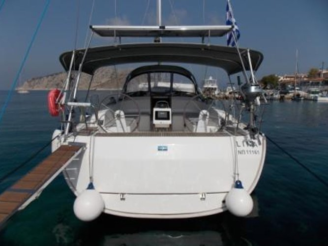 Enjoy Athens, GR to the fullest on our comfortable Bavaria Yachtbau Bavaria 46 Cruiser