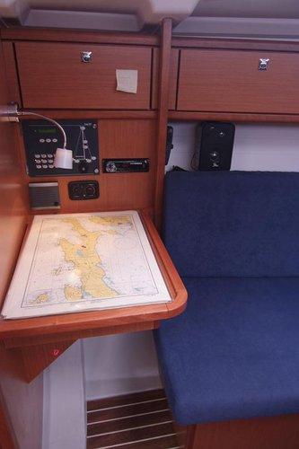 Bavaria Cruiser 33- Skipper's desk