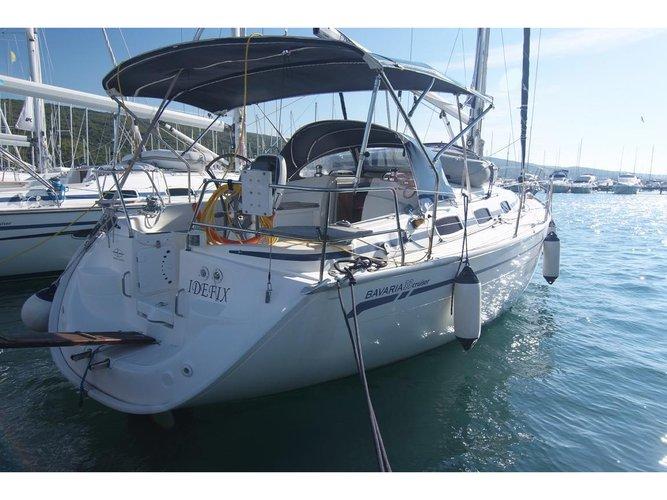 Beautiful Bavaria Yachtbau Bavaria 33 Cruiser ideal for sailing and fun in the sun!